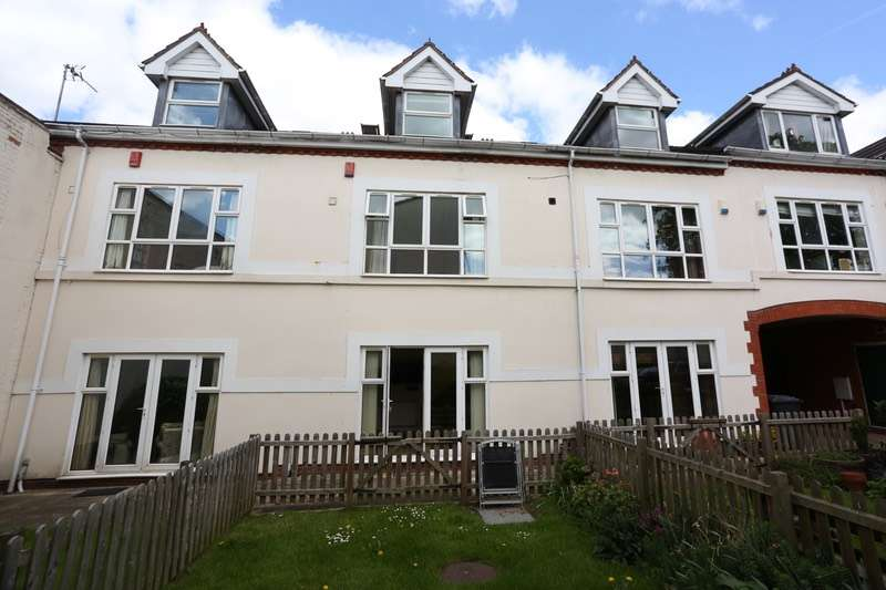 3 Bedrooms Town House for sale in Woodbridge Road, Birmingham, West Midlands, B13