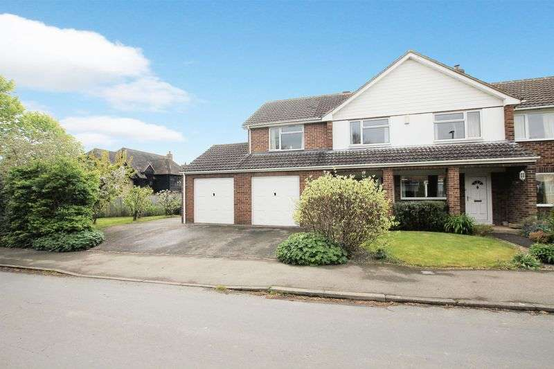 5 Bedrooms Semi Detached House for sale in Barnards Way, Wantage