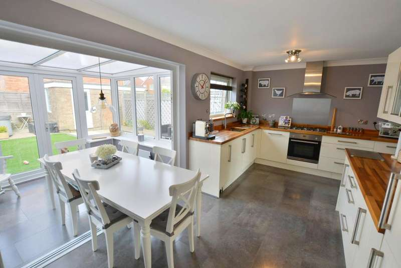 3 Bedrooms Semi Detached House for sale in Ebor Road, Parkstone, Poole, BH12 2JS