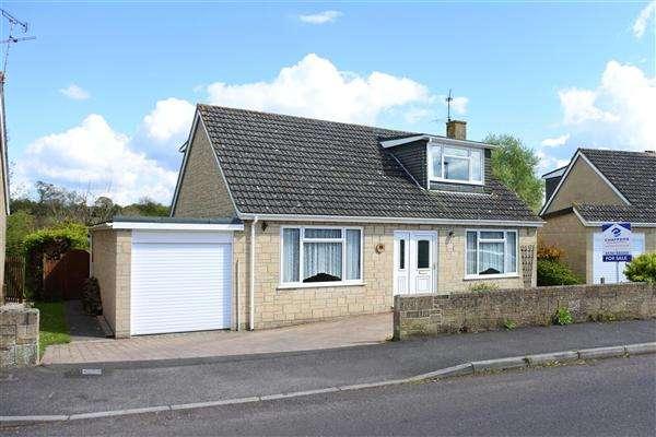 4 Bedrooms Detached Bungalow for sale in Shreen Way, Gillingham