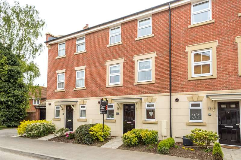 3 Bedrooms Terraced House for sale in Coupland Road, Selby, YO8