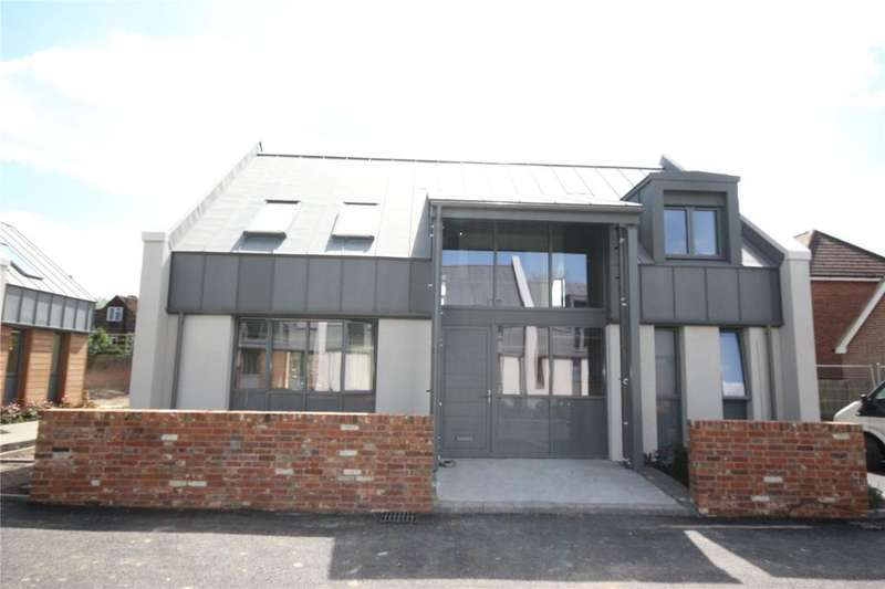 5 Bedrooms Detached House for sale in 3 Belle Vue Court, Salisbury, Wiltshire, SP1