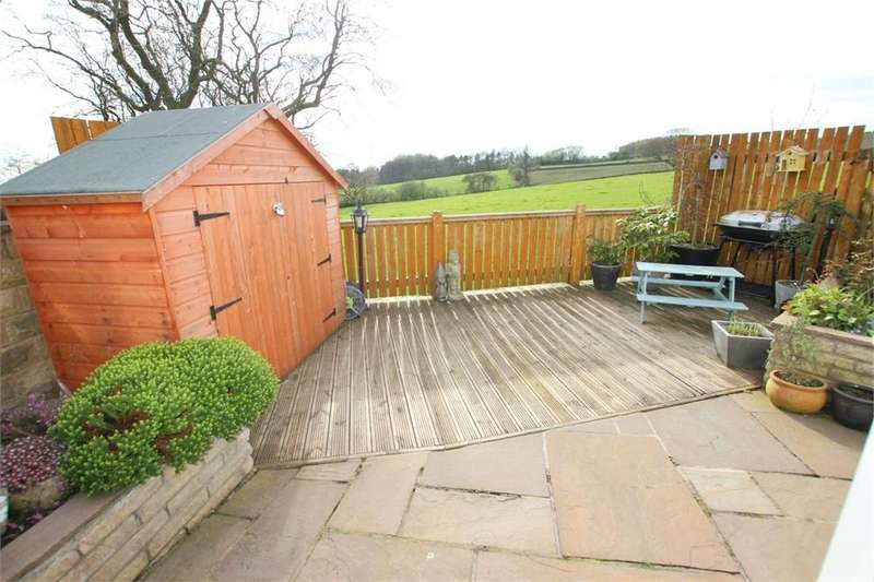4 Bedrooms End Of Terrace House for sale in Bank View, Birkenshaw, West Yorkshire