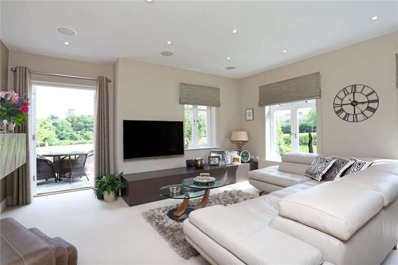 2 Bedrooms House for sale in Summers Place, Stane Street, Billingshurst, West Sussex, RH14