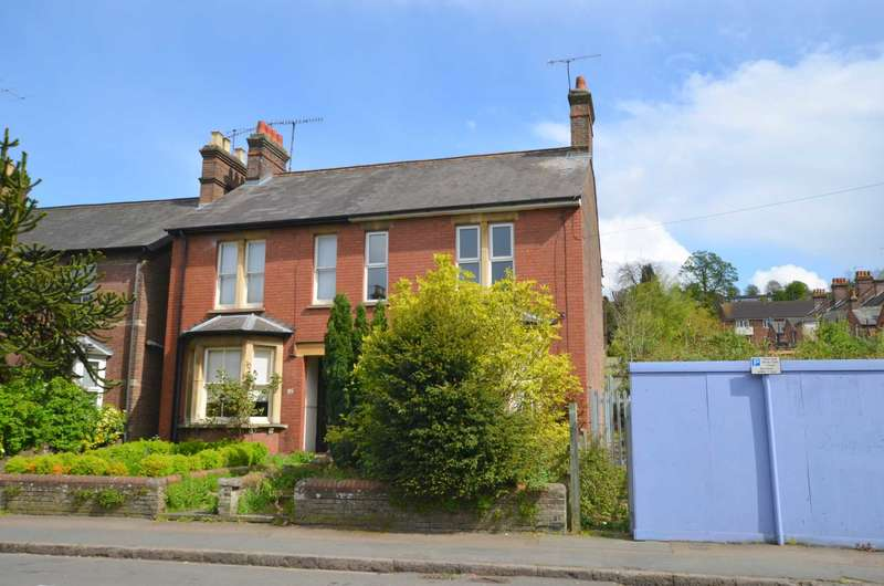 3 Bedrooms Semi Detached House for sale in Broad Street, Chesham HP5