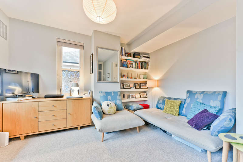 1 Bedroom Flat for sale in Peckett Square N5 2PB