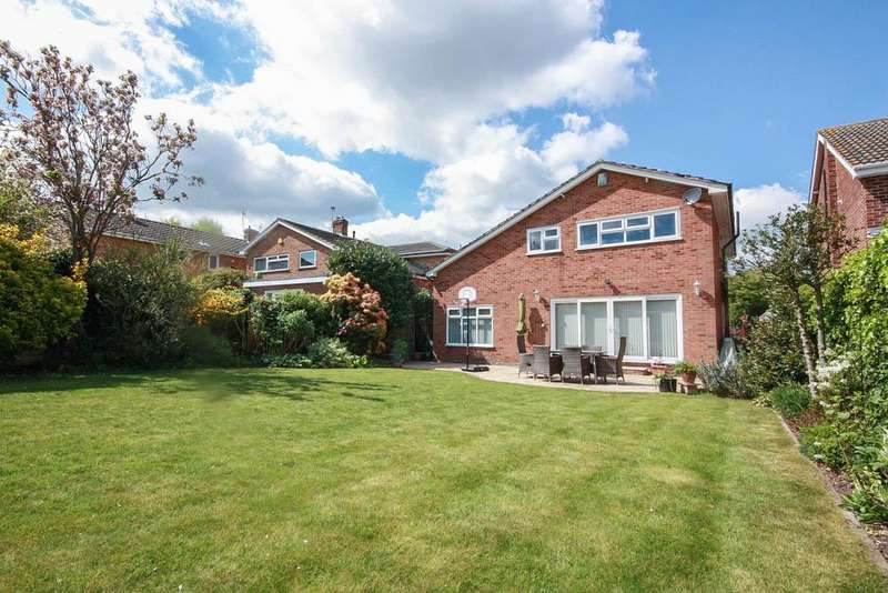 5 Bedrooms Detached House for sale in Mountnessing Road, Billericay CM12