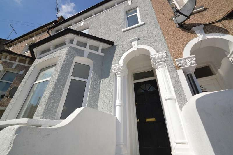 4 Bedrooms Terraced House for sale in Burwash Road, Plumstead, London SE18