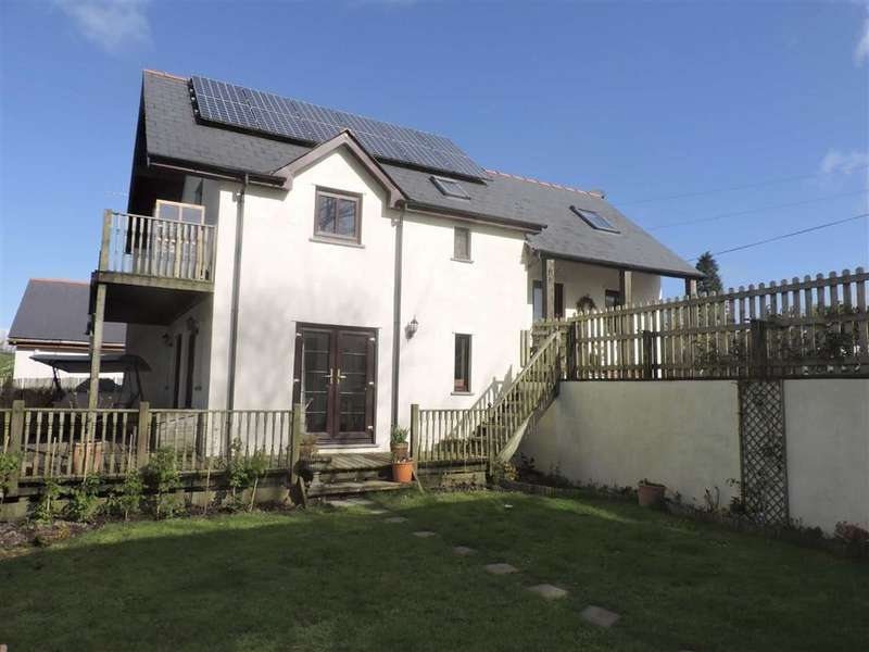 3 Bedrooms Property for sale in Gorsgoch, Llanybydder