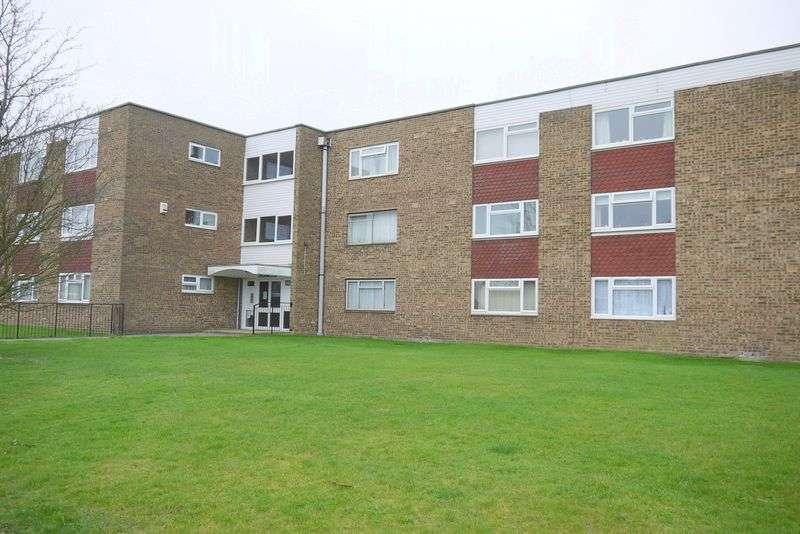 1 Bedroom Flat for sale in Long Meadow, Aylesbury