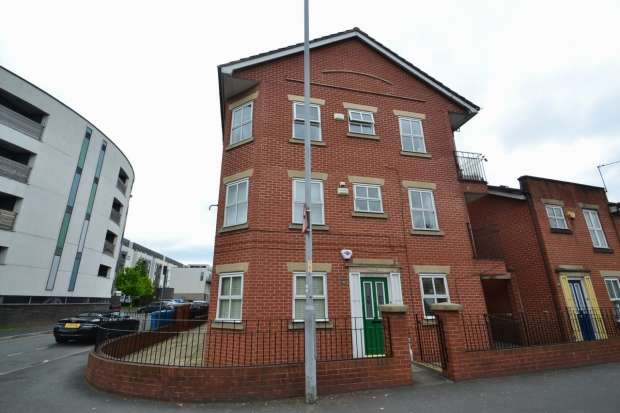 2 Bedrooms Apartment Flat for sale in Greenheys Lane West Hulme, M15 5ax Manchester