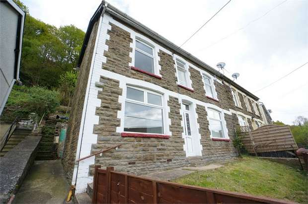3 Bedrooms Semi Detached House for sale in Rhyswg Road, Abercarn, NEWPORT