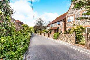 2 Bedrooms Terraced House for sale in Orchard Court, Ovingdean Road, Ovingdean, Brighton