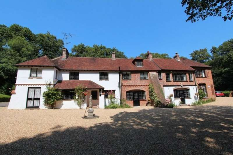 9 Bedrooms Detached House for sale in HIGHCLIFFE ON SEA