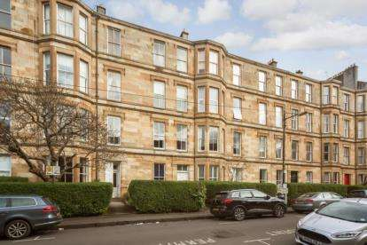 4 Bedrooms Flat for sale in Cecil Street, Hillhead