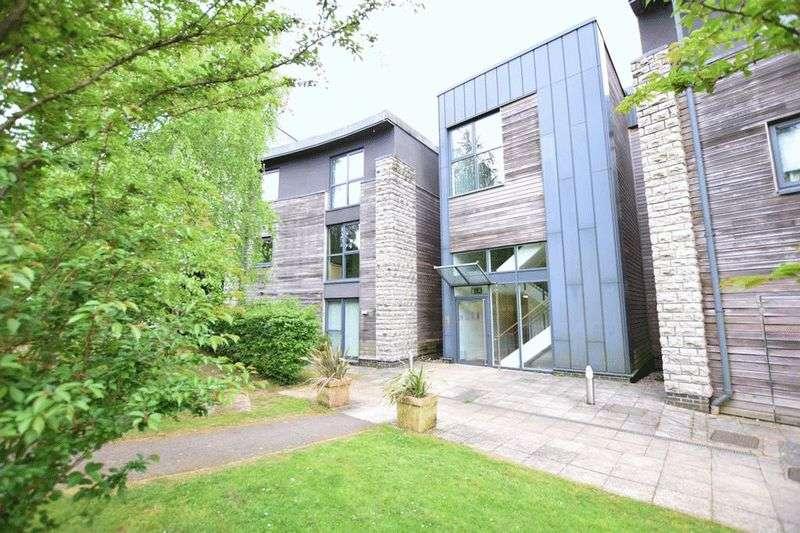 1 Bedroom Flat for sale in Sandling Maidstone