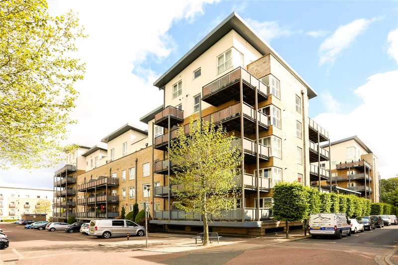 2 Bedrooms Flat for sale in Catalonia Apartments, Metropolitan Station Approach, Watford, Hertfordshire, WD18