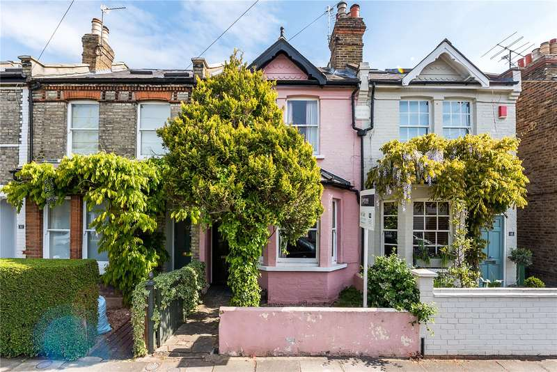 3 Bedrooms Terraced House for sale in Wick Road, Teddington, TW11