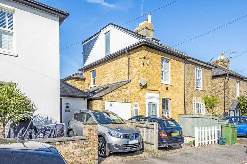 4 Bedrooms Semi Detached House for sale in Prospect Road, Surbiton, KT6