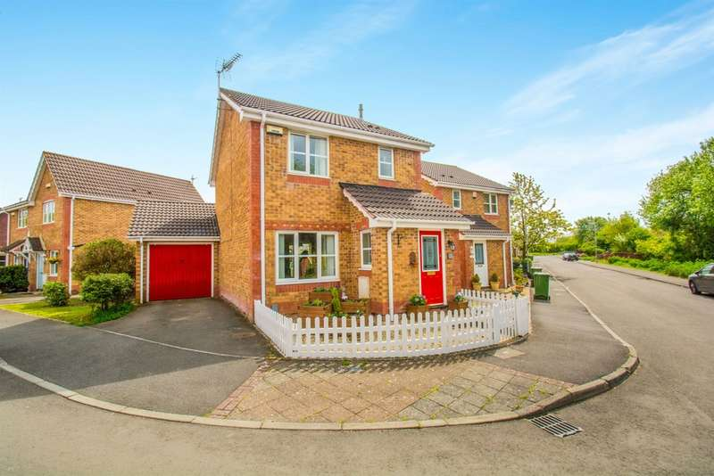 3 Bedrooms Detached House for sale in Walwyn Place, St. Mellons, Cardiff