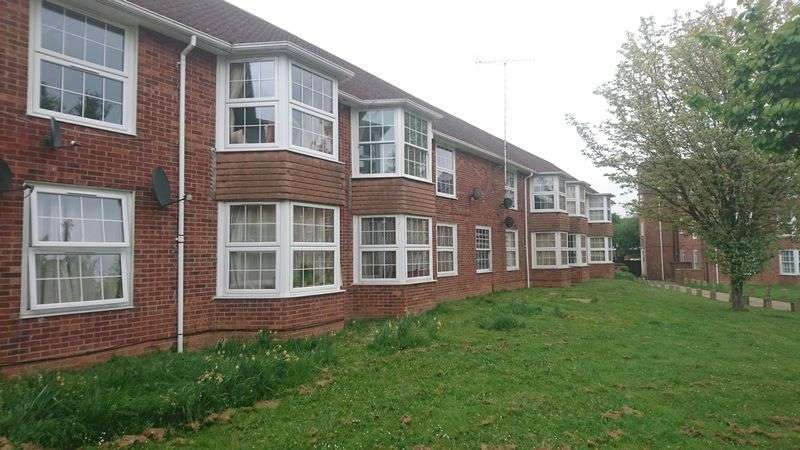 1 Bedroom Flat for sale in Homestead Court, Welwyn Garden City
