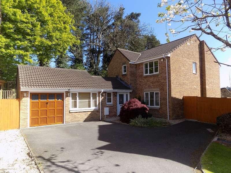4 Bedrooms Detached House for sale in Crud-yr-awel , Pen-y-fai, Bridgend. CF31 4GH