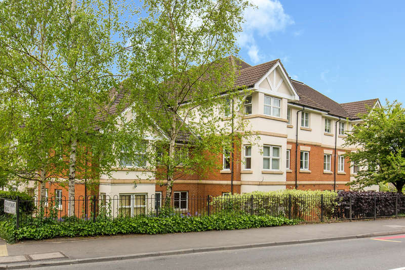 2 Bedrooms Flat for sale in PURLEY