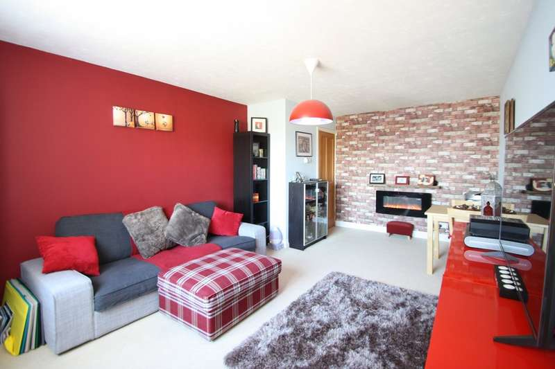 2 Bedrooms Flat for sale in Swiftsure Road, Chafford Hundred