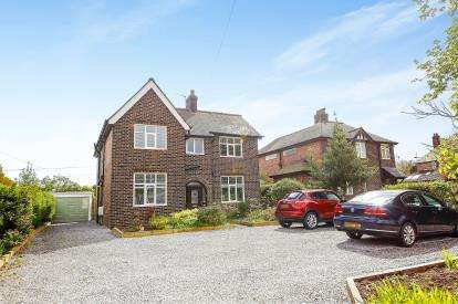 4 Bedrooms Detached House for sale in West Lane, Lymm, Cheshire