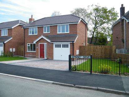 Detached House for sale in Spinney Drive, Weston, Crewe, Cheshire