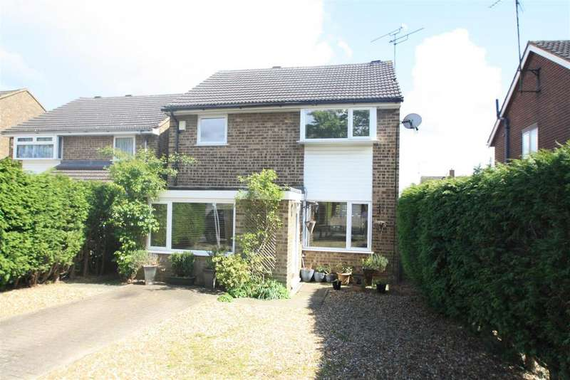 4 Bedrooms Detached House for sale in Whaddon Way, Bletchley, Milton Keynes
