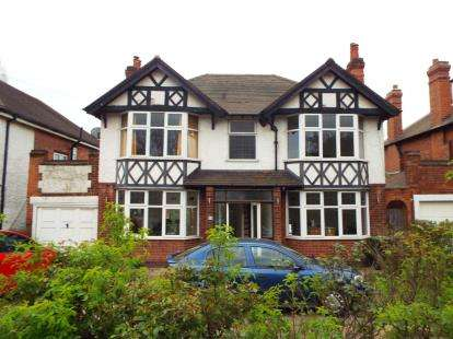 4 Bedrooms Detached House for sale in Derby Road, Beeston, Nottingham