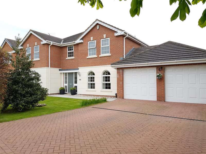 5 Bedrooms Property for sale in Dunlin Drive, Lytham