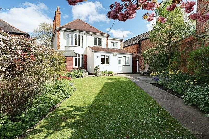 4 Bedrooms Detached House for sale in Caistor Road, Barton-Upon-Humber
