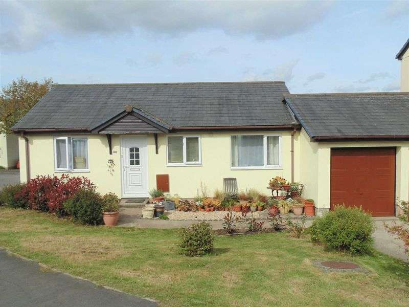 2 Bedrooms Bungalow for sale in Okehampton