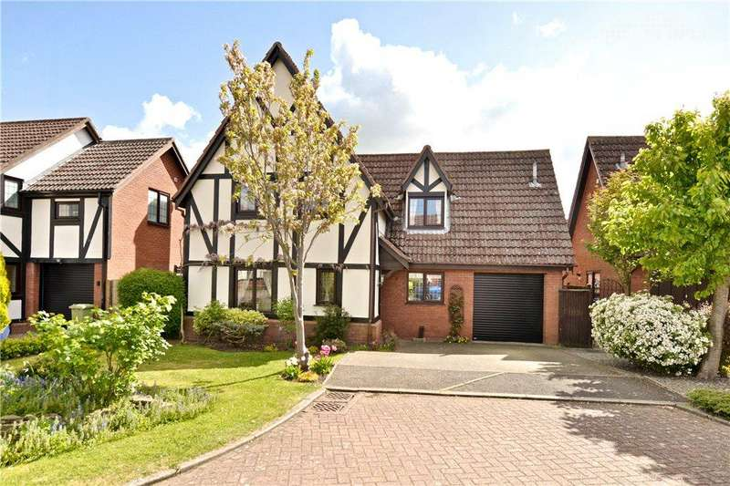 4 Bedrooms Detached House for sale in The Pyghtle, Olney, Buckinghamshire