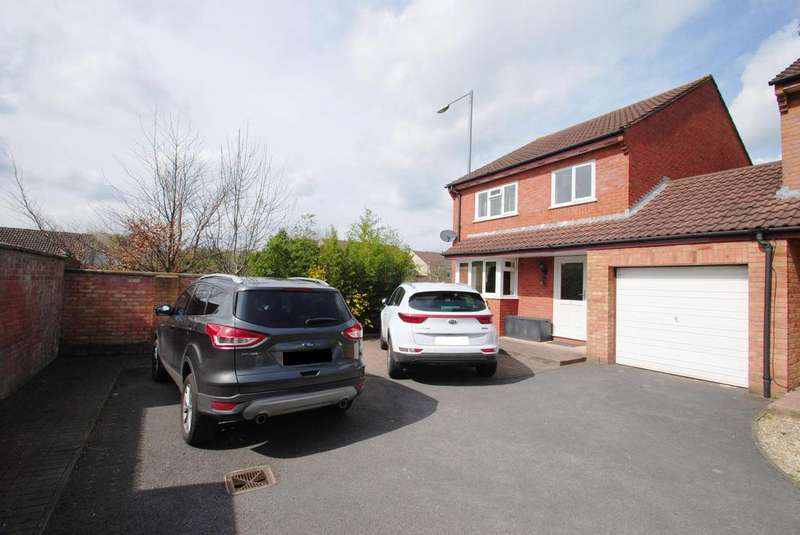 4 Bedrooms Detached House for sale in Badgers Close, Bishops Hull