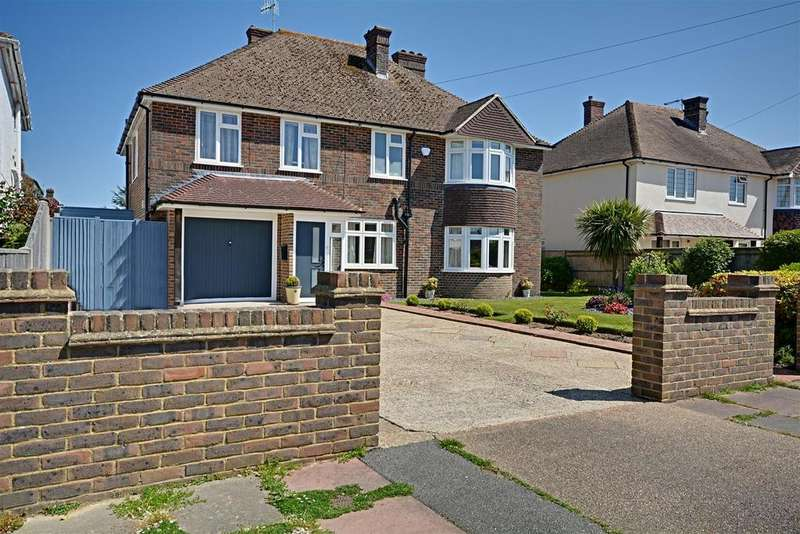 5 Bedrooms Detached House for sale in South Cliff Avenue, Bexhill-On-Sea