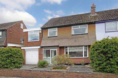 4 Bedrooms Semi Detached House for sale in Roslyn Avenue, Urmston, Manchester, Greater Manchester