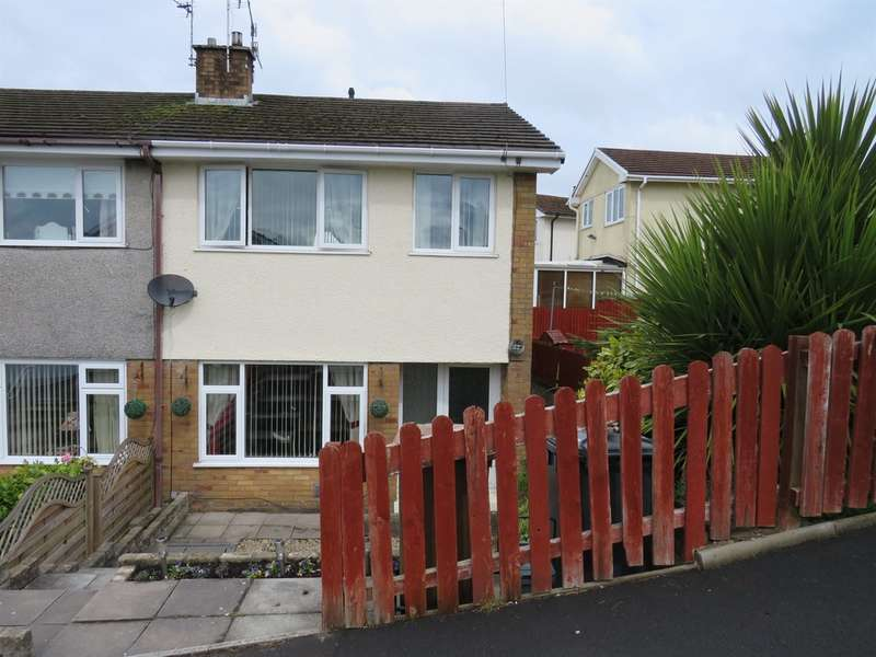 3 Bedrooms Semi Detached House for sale in Meadow Close, Pengam, Blackwood
