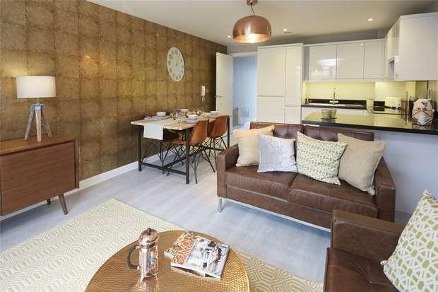 3 Bedrooms Flat for sale in Dean Street, Bristol