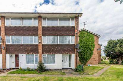 3 Bedrooms End Of Terrace House for sale in Rayleigh, Essex, United Kingdom