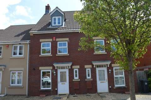 3 Bedrooms Town House for sale in Worle Moor Road, Weston Village, Weston-super-Mare