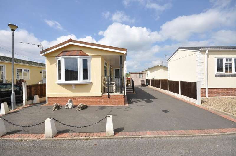 1 Bedroom Park Home Mobile Home for sale in Ash Drive, Lamaleach Residential Park, Freckleton, Preston, Lancashire, PR4 1DY