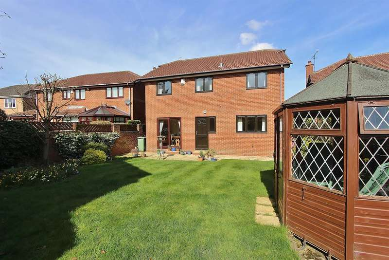 4 Bedrooms Detached House for sale in Acorn Ridge ,Walton, Chesterfield, S42 7HE