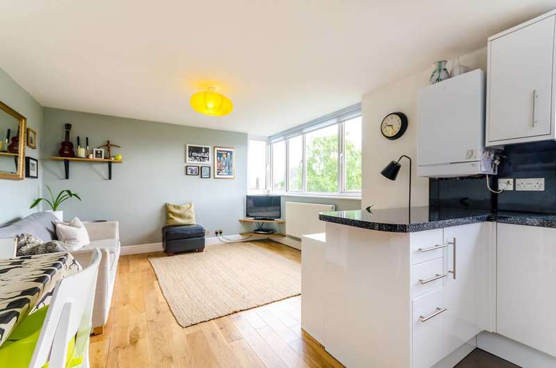 2 Bedrooms Flat for sale in Galsworthy Road, Kingston, KT2