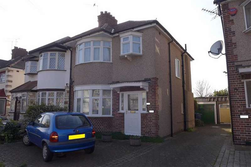 3 Bedrooms Property for sale in Kenmore Avenue, Harrow, Middlesex