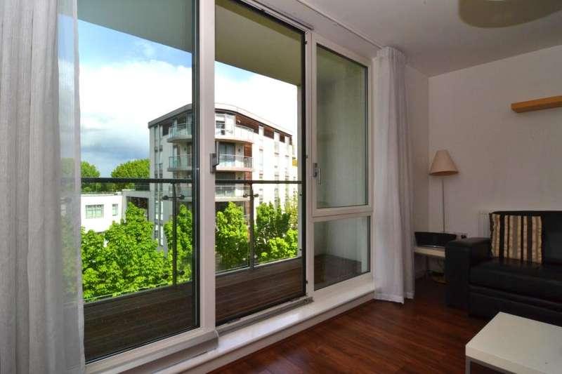 2 Bedrooms Apartment Flat for sale in Clayponds Lane, Brentford TW8