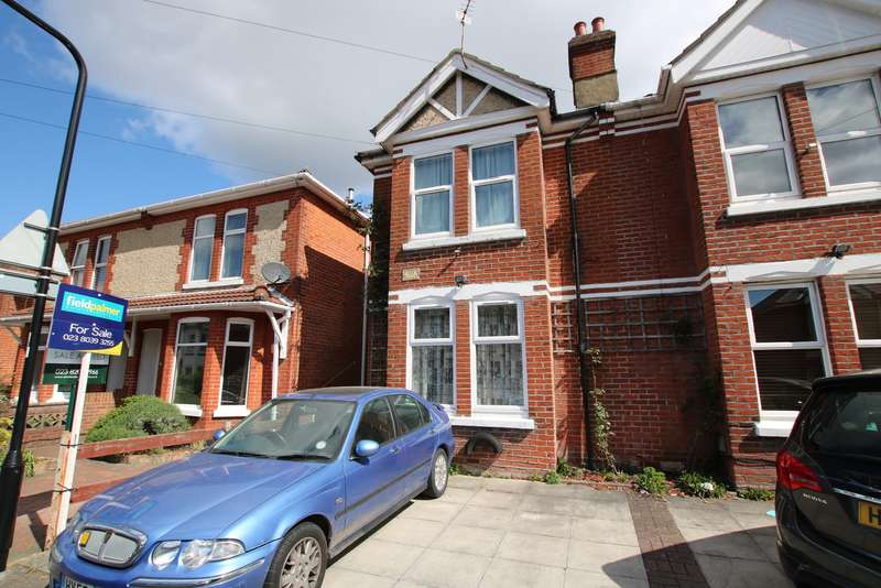 3 Bedrooms Semi Detached House for sale in Porchester Road, Woolston