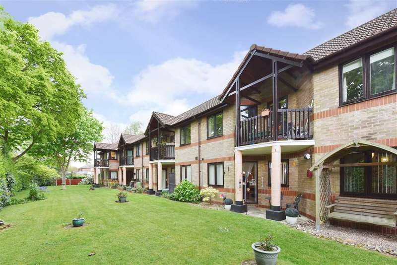 1 Bedroom Apartment Flat for sale in LINDEN COURT, PARK GATE